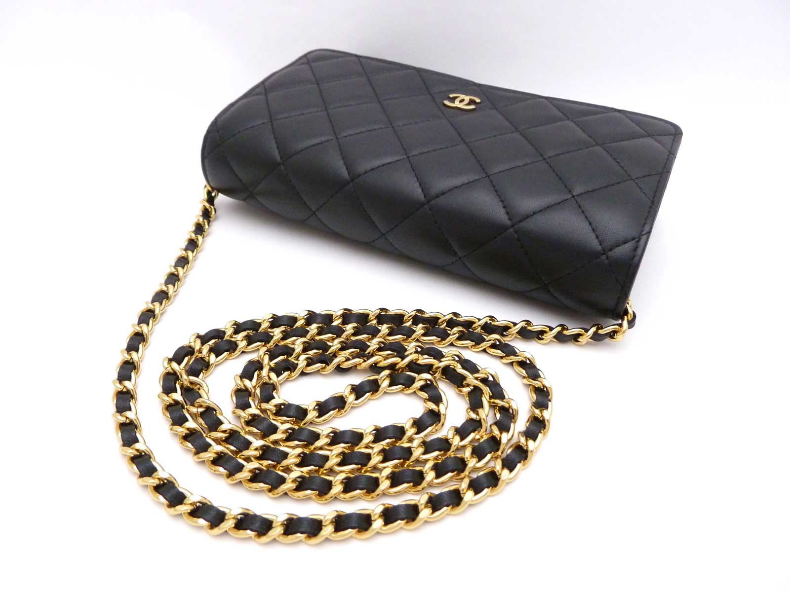 acca9ca7f595 Auth CHANEL Classic Matelasse Wallet On Chain Black Lambskin *MINT* -  e24896 | eBay