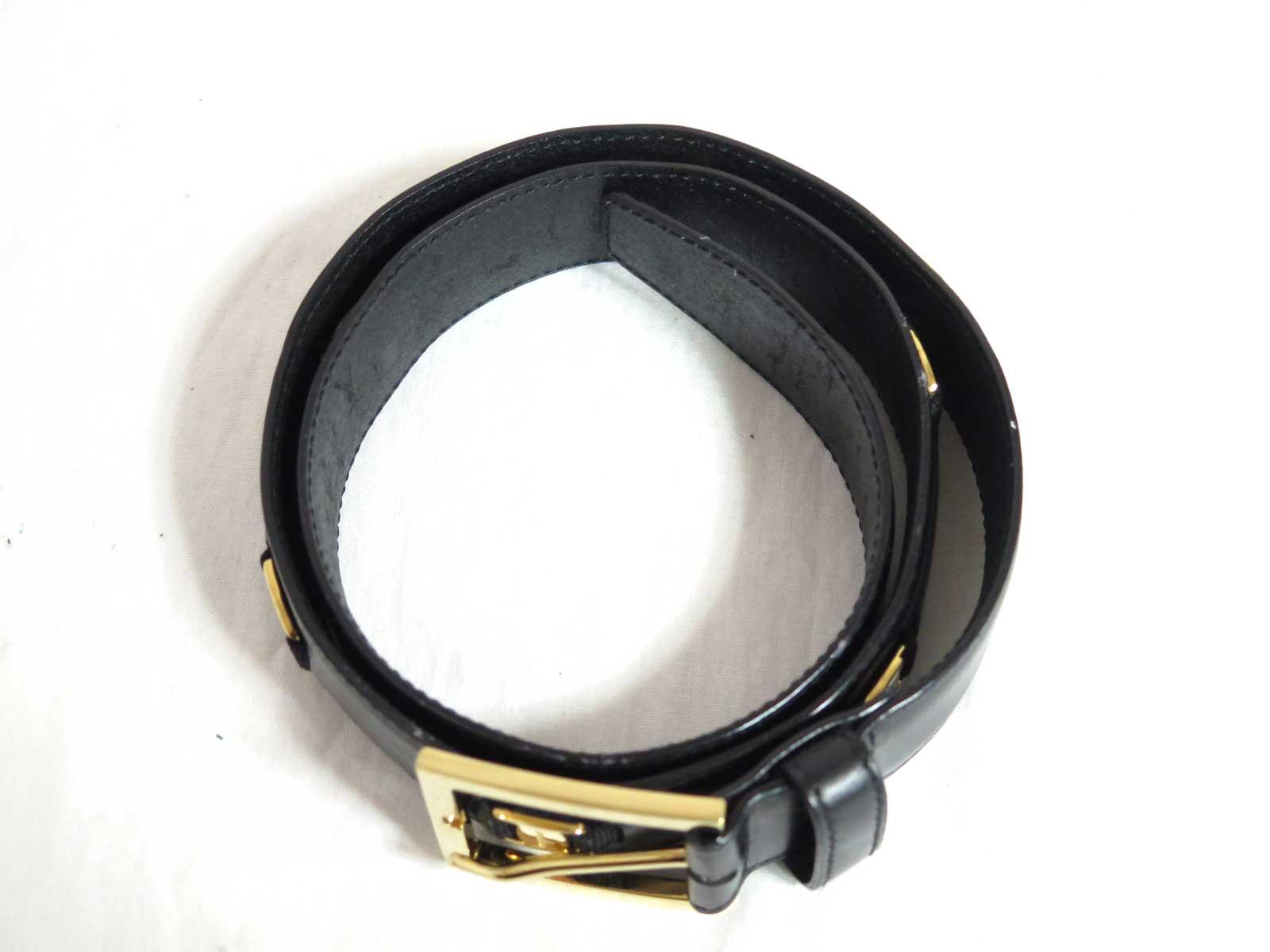 Auth Salvatore Ferragamo Vara Belt Black Leather\/Goldtone - e26970