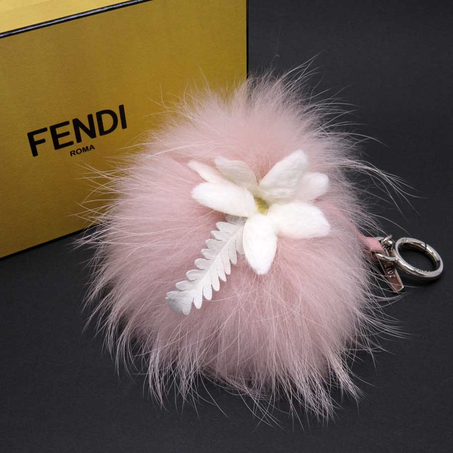322788d552 Auth FENDI Flower Pom Pom Charm Raccoon Bag Charm Pink White Fur 7AR259 -  h19801